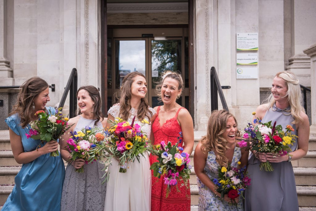 stress free wedding group photo